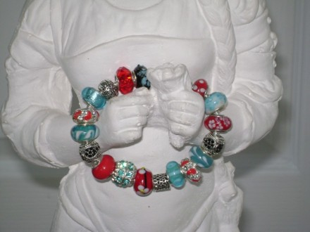 Removable Bead Bracelet in Red & Turquoise.